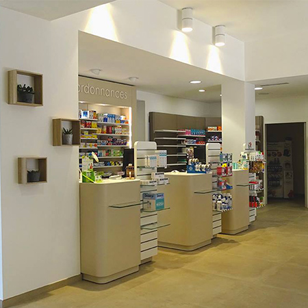 Agencement_Pharmacie-Travouillon_Normandie_Vire_UNE
