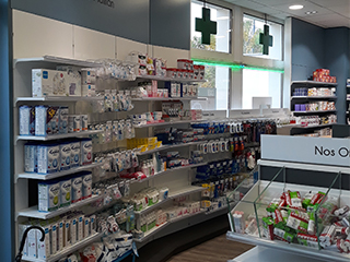 Agencement_Pharmacie-Bouquet_galerie1